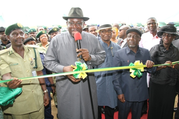 Bayelsa State Governor, Hon. Seriake Dickson (2ndleft)cutting the tape to commission the Yenagoa Prison at Okaka in Yenagoa, while his Deputy, Rear Admiral Gboribiogha John Jonah Rtd, (3rdright) the State Chief Judge, Justice Kate Abiri (right) Minister of Interior, Comrade Abba Moro (2ndright) the Comptroller General of Prisons, Mr. Zakari Ibrahim (left) look on. Photo by Lucky Francis