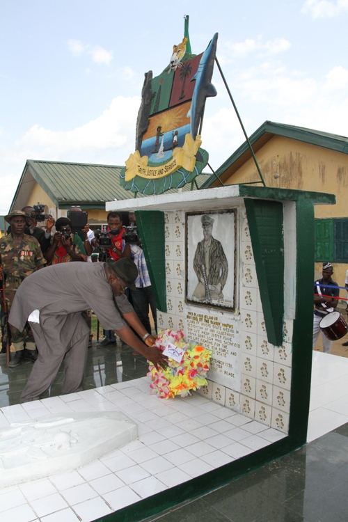 Governor of Bayelsa State, Hon. Seriake Dickson laying a wreath at the cenotaph of late Major Isaac Adaka Boro in Kaiama, the ancestral home the fallen hero during the 2013 Boro Day celebrations in the area. Photo by Lucky Francis